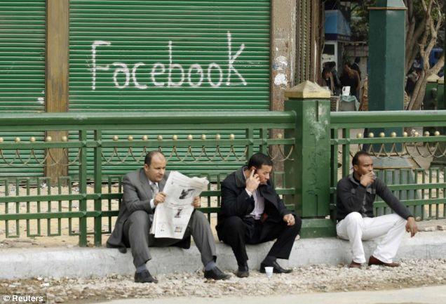közösségi média forradalom